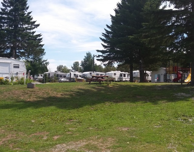 Camping municipal Lac-Frontière